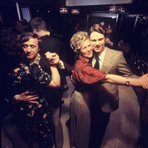70s_Dancing-300×300
