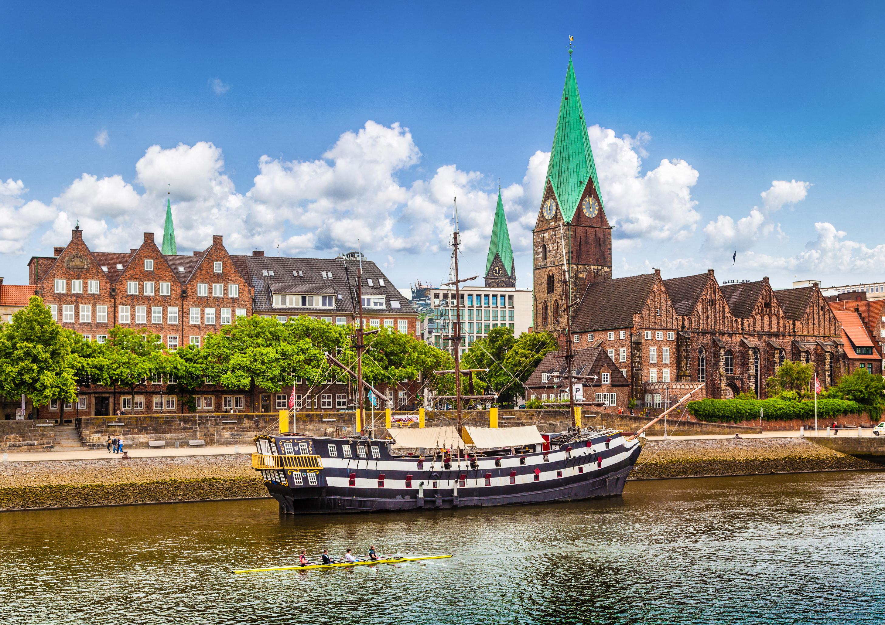 Brēmene, Vācija, Trāveminde, vecpilsēta, ekskursija, uz Vāciju, izpēti, arhitektūra, baznīca, ostas pilsēta