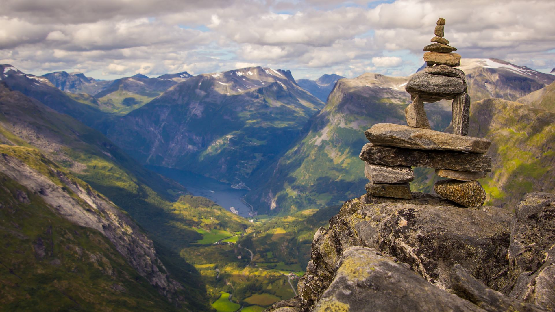 Norvēģija, fjords, Geiranger, Geirangerfjords, klintis, ceļo ar auto, ekspedīcija, ekskursija, Skandināvija, ceļo uz Skandināviju